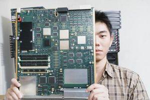 Cómo encontrar los números de placa base Intel