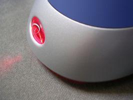 Cómo cambiar la configuración de un cojín de ratón incorporado a un ratón inalámbrico a distancia