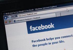 Cómo invitar a un grupo de amigos en Facebook con un mensaje Personal