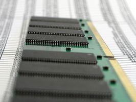 ¿Cómo instalar memoria RAM en mi Vostro 1500?