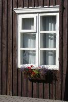 Cómo ajustar los marcos de las ventanas plástico