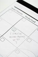 Cómo crear un calendario mensual de dos páginas