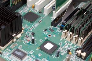 Cómo reemplazar una placa base Toshiba Satellite
