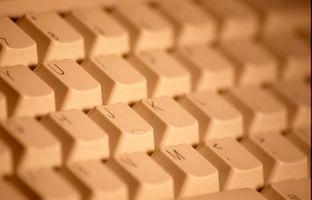 ¿Cómo cambio Windows XP registrado y la información de soporte?