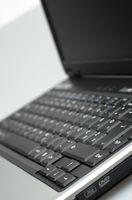 Cómo cambiar la tarjeta de red en un ordenador portátil Compaq
