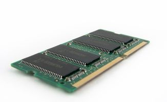 Cómo instalar la memoria en el Inspiron 2200