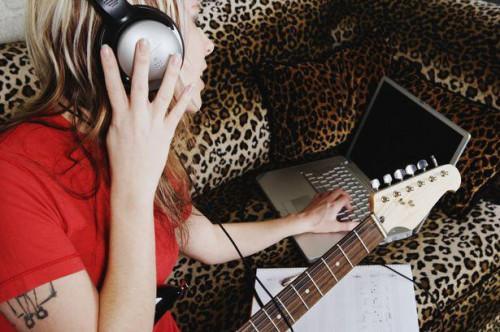 Cómo combinar dos Clips de Audio juntos